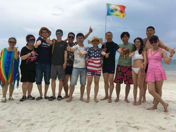 360国际旅行社导游云修进(本校2015届学员'带团年龄58岁'
