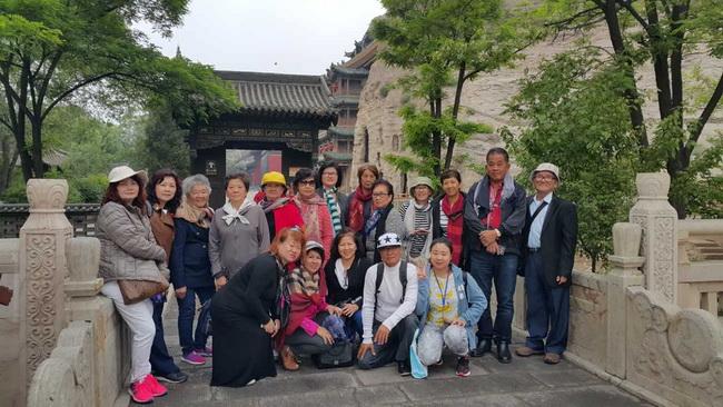 北京轻松假期旅行社导游刘丽丽(本校2014届学员)