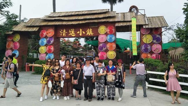 北京竹园国旅出境领队刘晶(本校2015届学员)